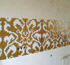 Фартук из мозаики на кухне Damasco Oro