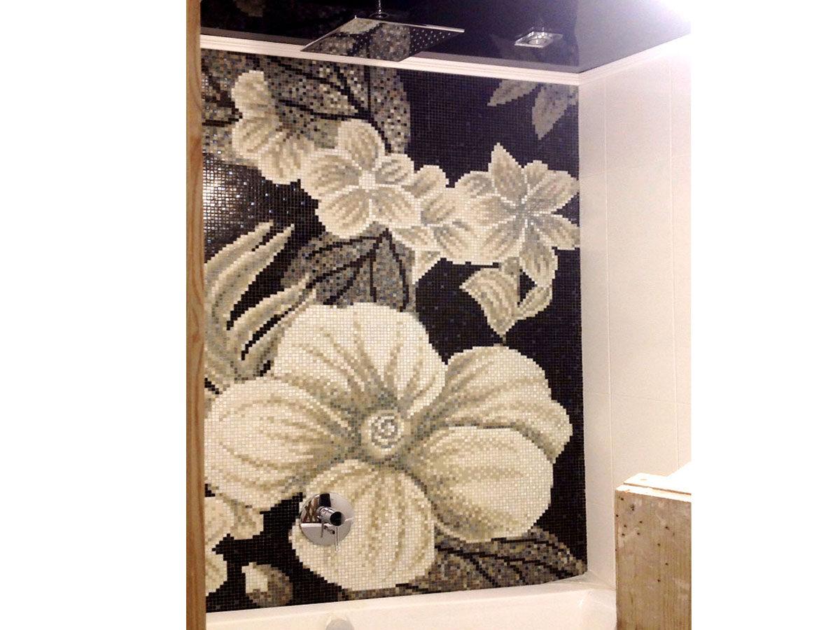 Панно из мозаики Black Flowers
