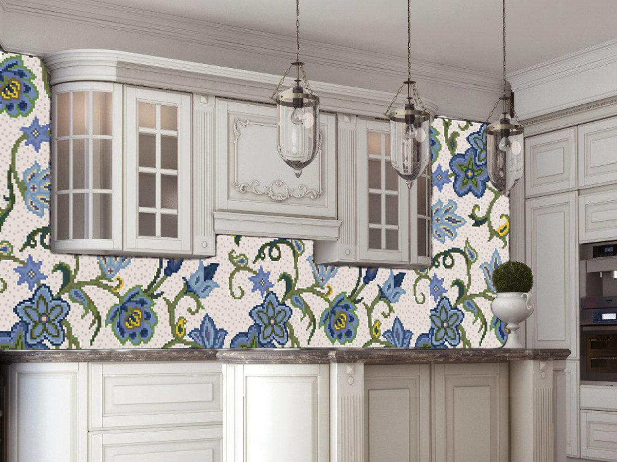 Декоративное панно из мозаики Flowers