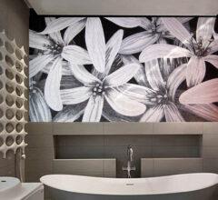 Мозаичное панно Black Lilies