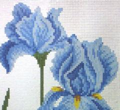Панно из мозаики «Ирисы»